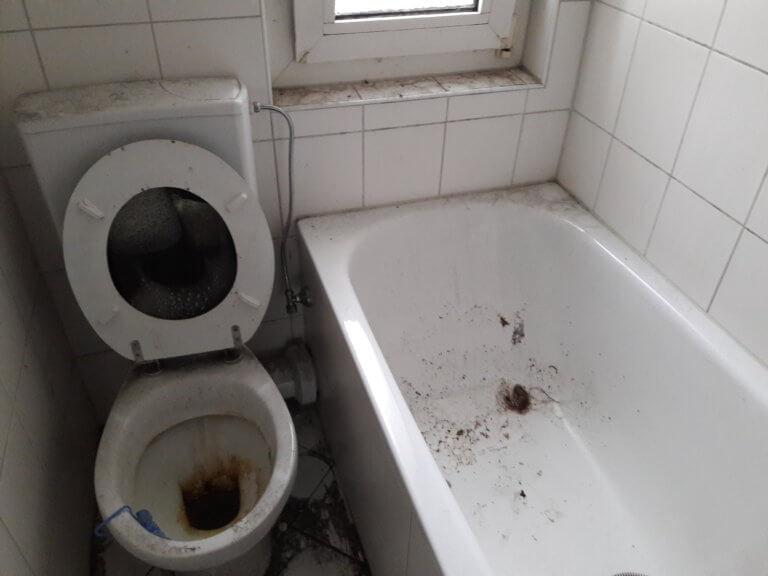 extremer Zustand eines WC